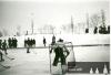 Hřiště Polabanu Plácky na počátku čtyřicátých let minulého století. Kluziště se nacházelo na místě,kde i dnes je možno věnovat se sportu.V pozadí je vidět most do Věkoš od architekta Františka Sandera, který se proslavil spíše jako autor elektrárny Hučák